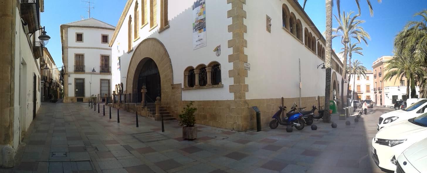 Mercat.albergxabiahostel.com